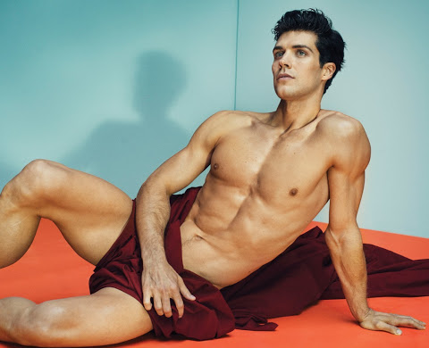 Roberto-Bolle-by-Marc-Hom-for-January's-Vanity-Fair-Italia-3